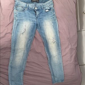 Ankle low rise distressed jeans